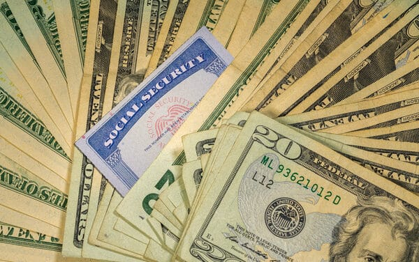 How Does Retiring Early Impact Social Security Benefits?